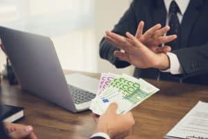 Arbeitnehmer lehnt Geld ab